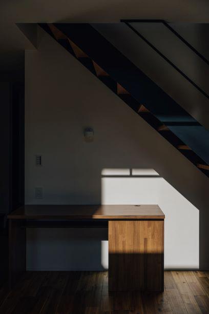 時計と光が見える家